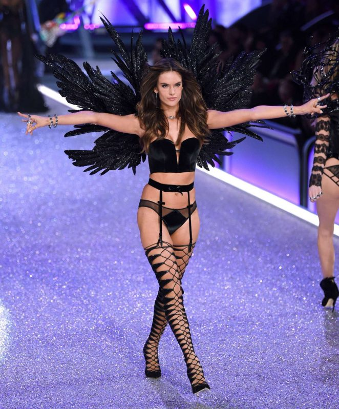 Alessandra Ambrosio: 2016 Victorias Secret Fashion Show ...