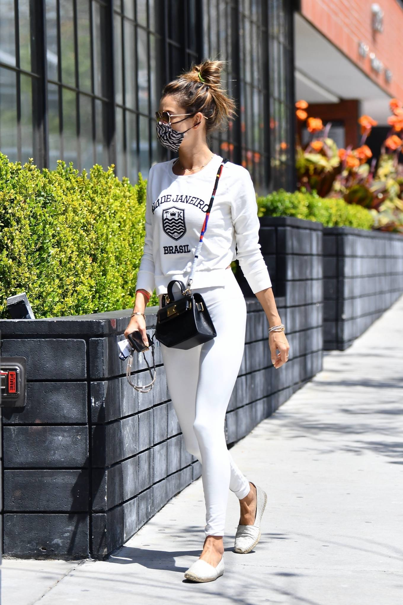 Alessandra Ambrosio 2021 : Alessandra Ambrosio – Ahead of her daily workout in Brentwood-01