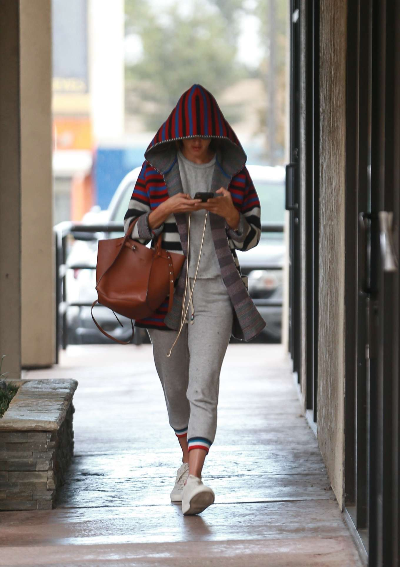 Alessandra Ambrosio - Arrives at a skincare spa in Los Angeles