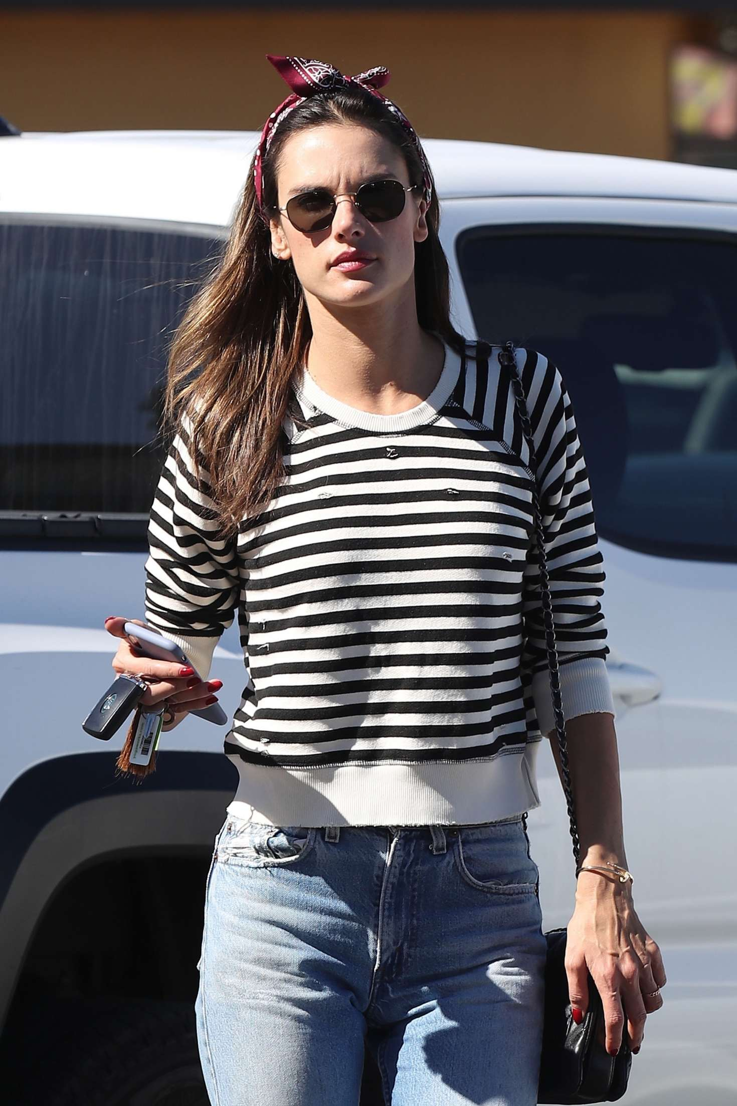 Alessandra Ambrosio – Arrives at top of the line skin care clinic in Encino