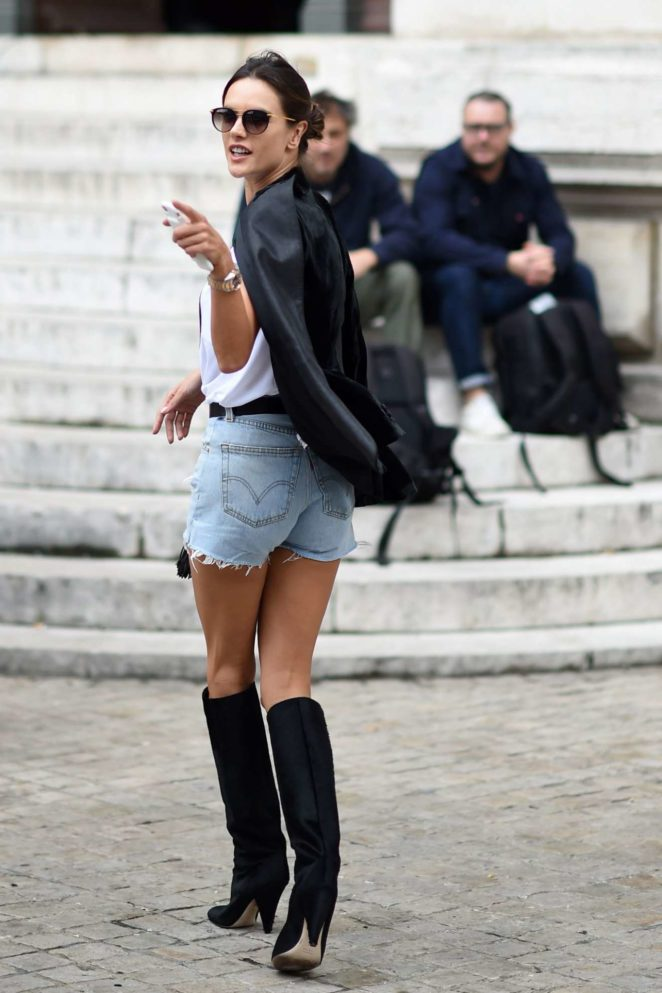 Alessandra Ambrosio – Arriving at Balmain Fashion Show in Paris