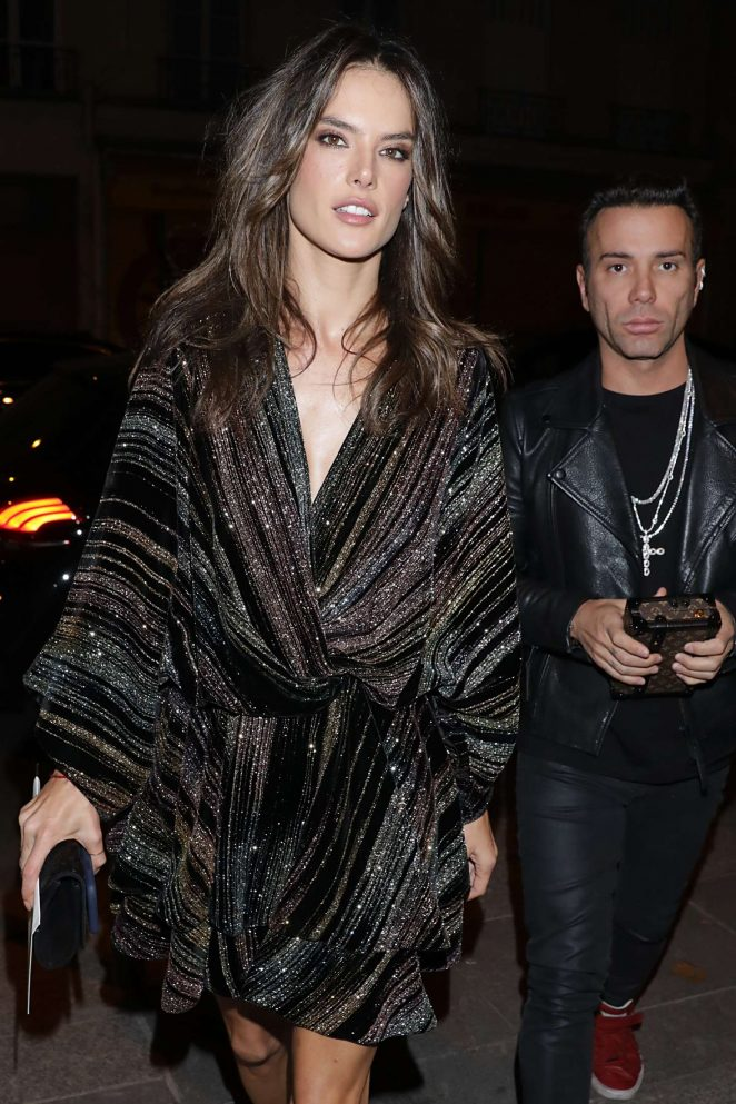 Alessandra Ambrosio – Arriving at Zadig & Voltaire Fashion Show in Paris