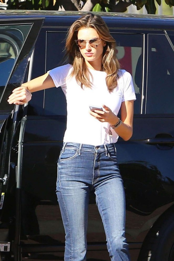 Alessandra Ambrosio – Arriving for her flight out of Los Angeles