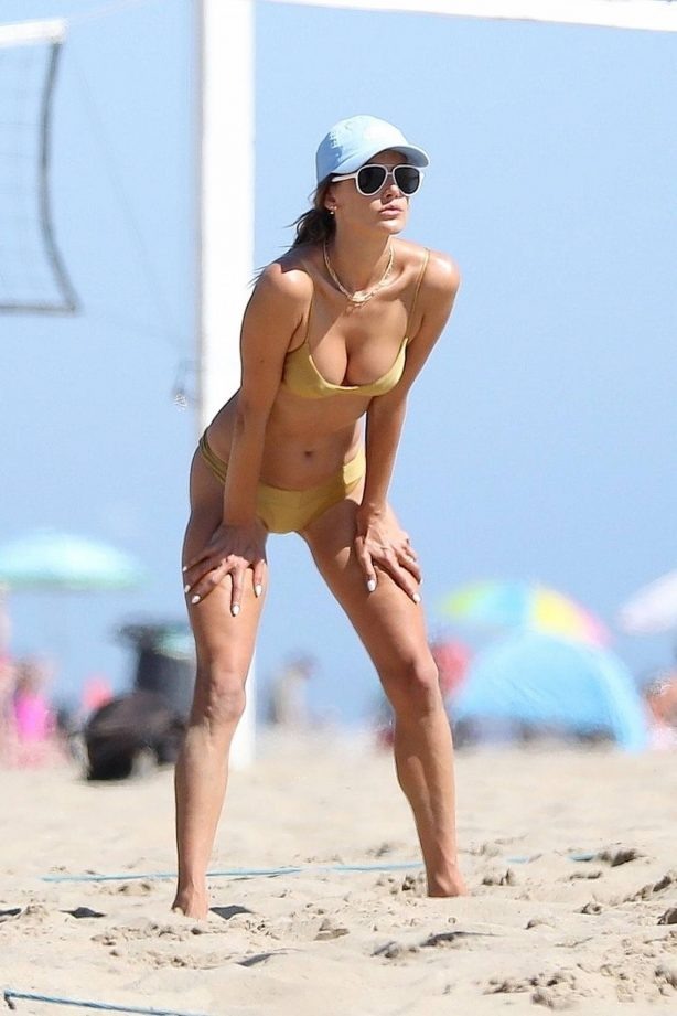 Alessandra Ambrosio - Beach volleyball in Malibu