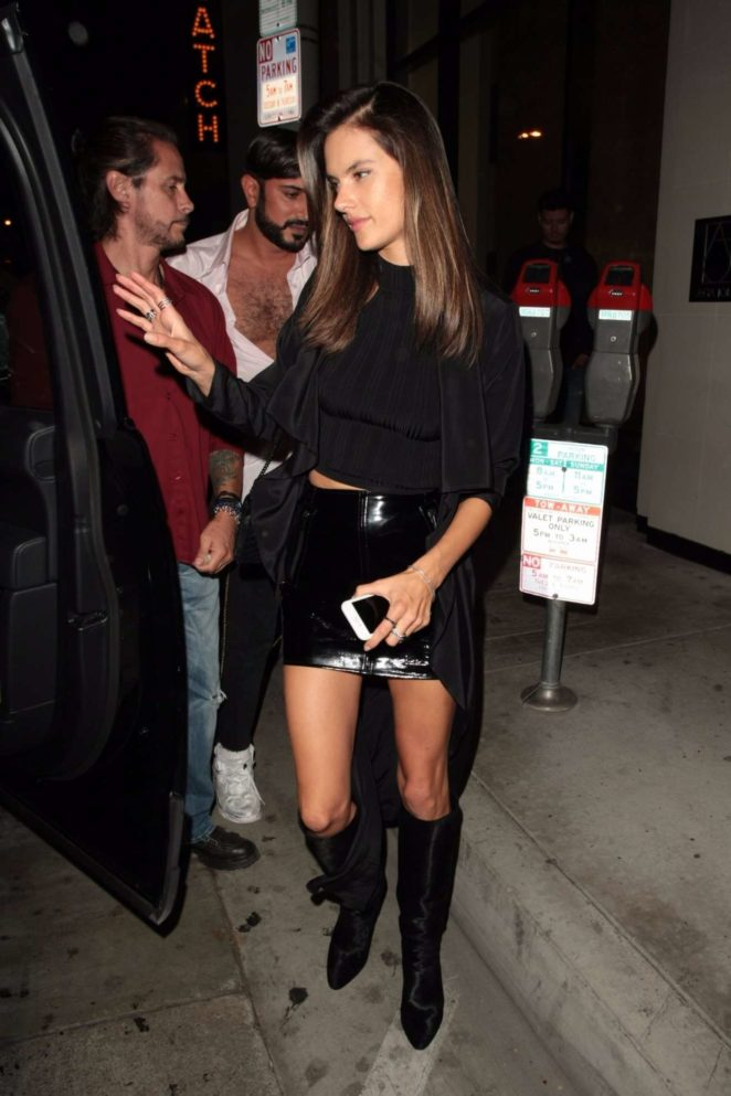 Alessandra Ambrosio - grabbing some dinner at the catch in west hollywood