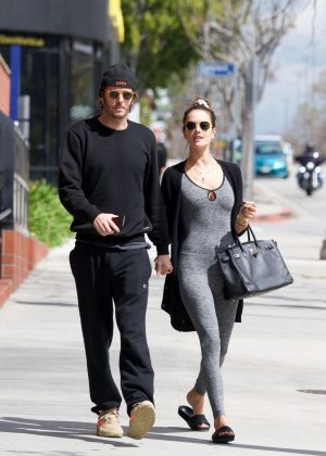 Alessandra Ambrosio - Heading to pilates in LA