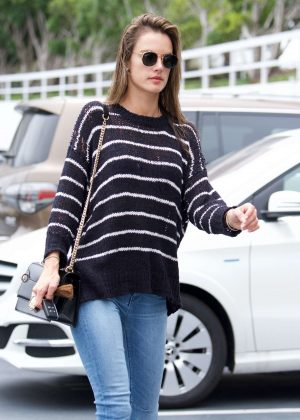 Alessandra Ambrosio heads into a sports medical appointment in LA
