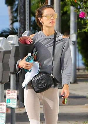 Alessandra Ambrosio - Heads to a yoga class in Santa Monica