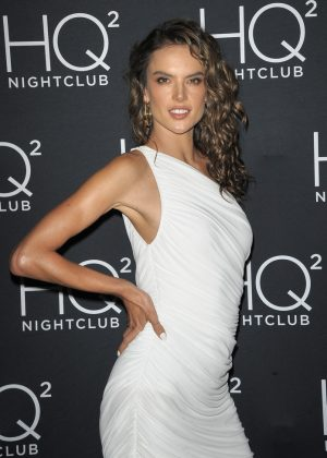 Alessandra Ambrosio - HQ2 Beachclub at Ocean Resort Casino in Atlantic City