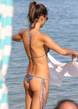 Alessandra Ambrosio in Bikini -31