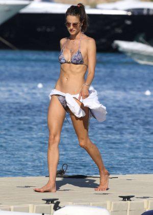 Alessandra Ambrosio in Bikini -44