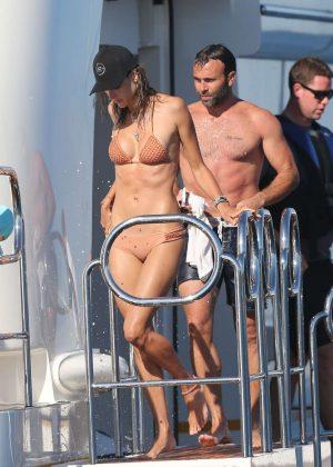 Alessandra Ambrosio in Bikini -10