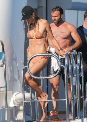 Alessandra Ambrosio in Bikini -19