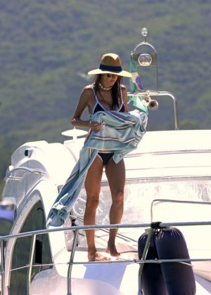 Alessandra Ambrosio in Bikini on Yacht in Florianopolis Pic 7 of 35