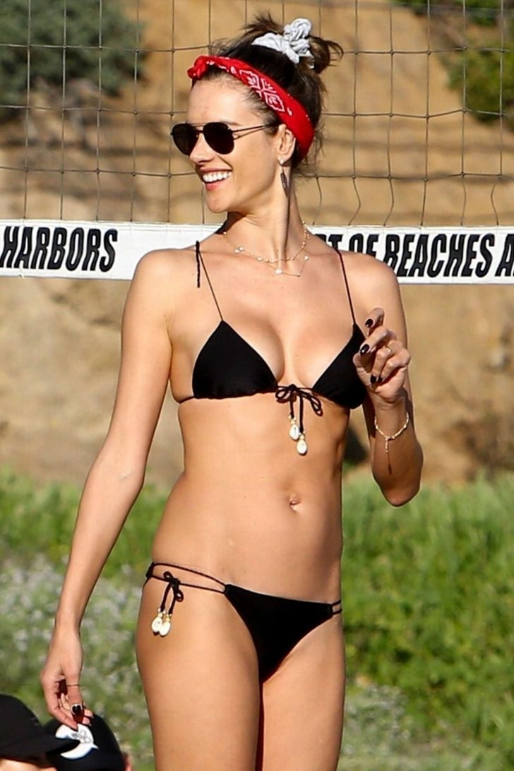 Alessandra Ambrosio in Black Bikini on the beach iIn Los Angeles