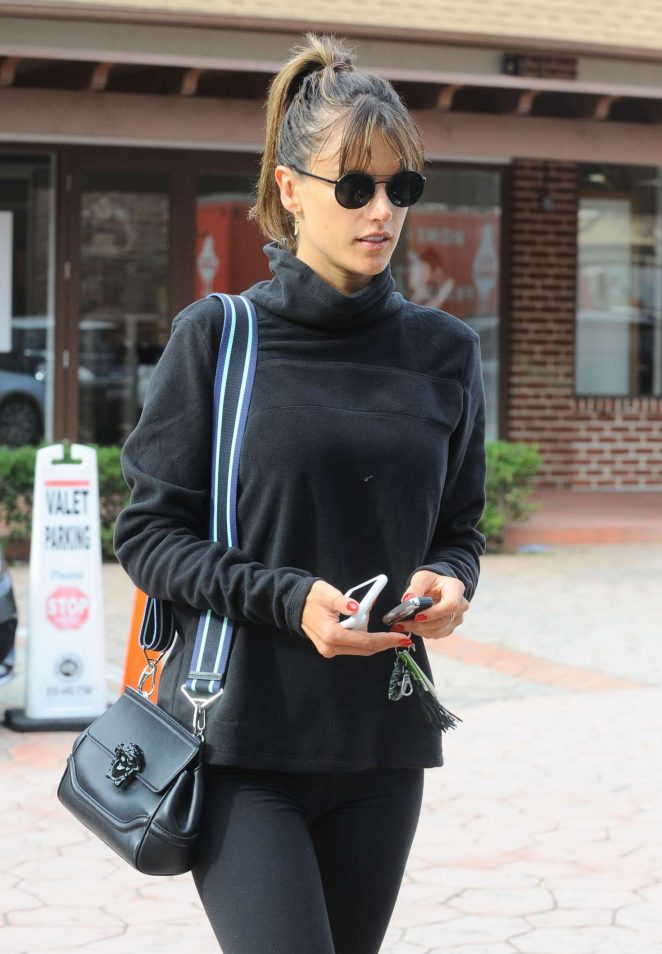 Alessandra Ambrosio in Leggings at a Gym -03