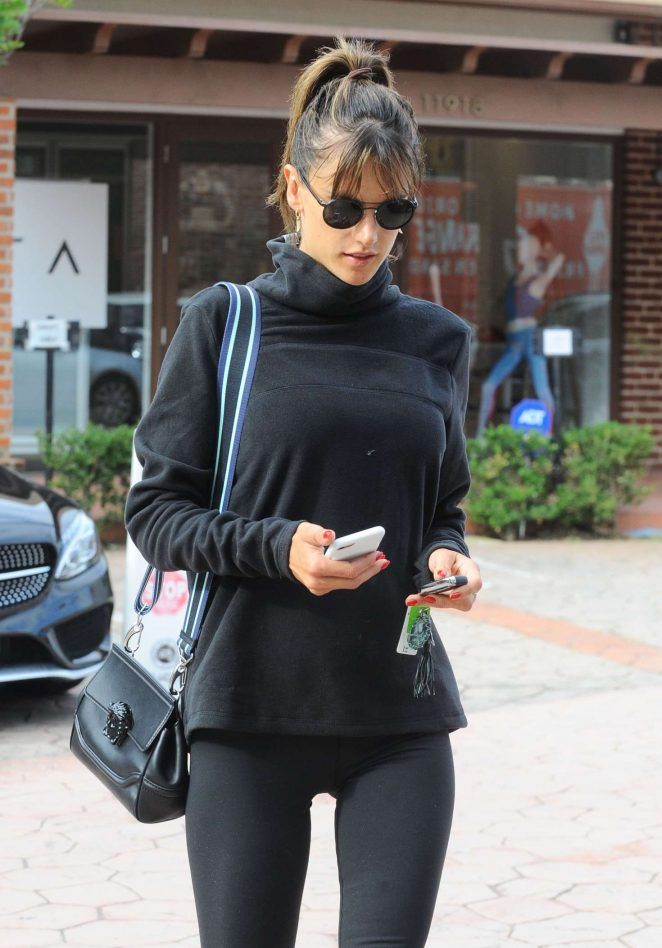 Alessandra Ambrosio in Leggings at a Gym in Brentwood