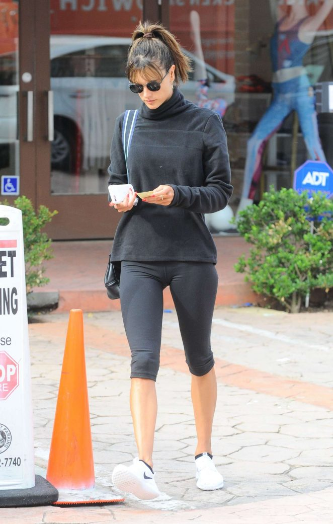Alessandra Ambrosio in Leggings at a Gym -21