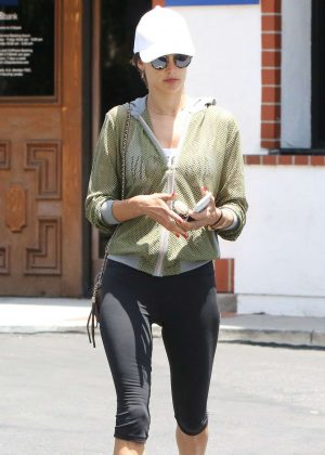 Alessandra Ambrosio in Leggings at a Nail Salon in Brentwood