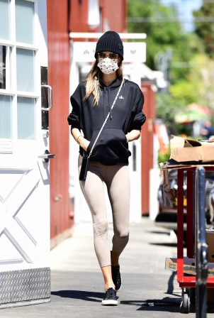 Alessandra Ambrosio - In leggings at Brentwood Country Mart