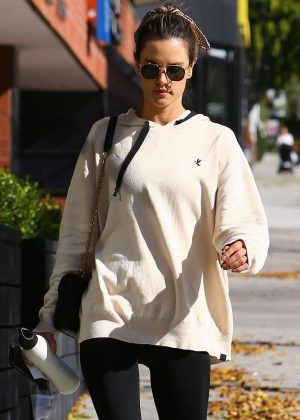 Alessandra Ambrosio in Tights - Heads at a pilates class in Los Angeles