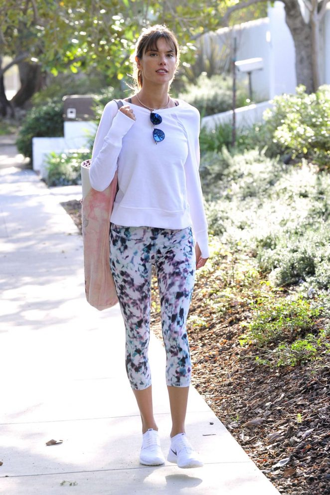 Alessandra Ambrosio in Tights on her way to yoga class in LA