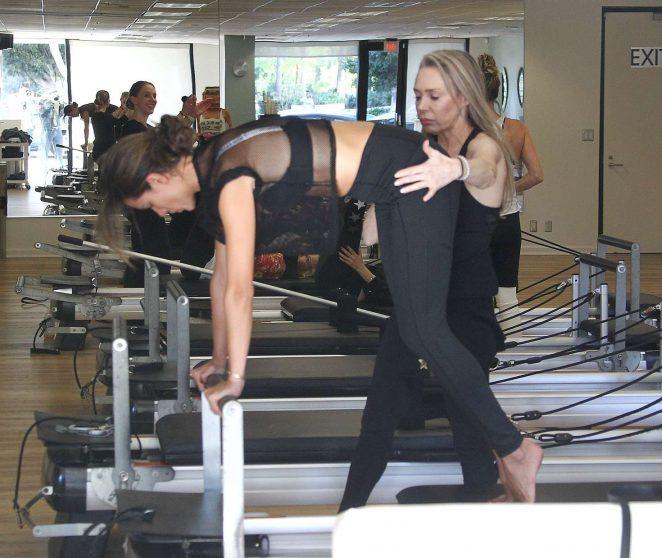 Alessandra Ambrosio 2018 : Alessandra Ambrosio in Tights: Pilates workout -18