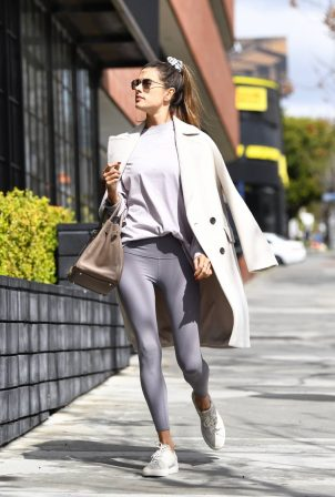 Alessandra Ambrosio - Leave a pilates in Los Angeles