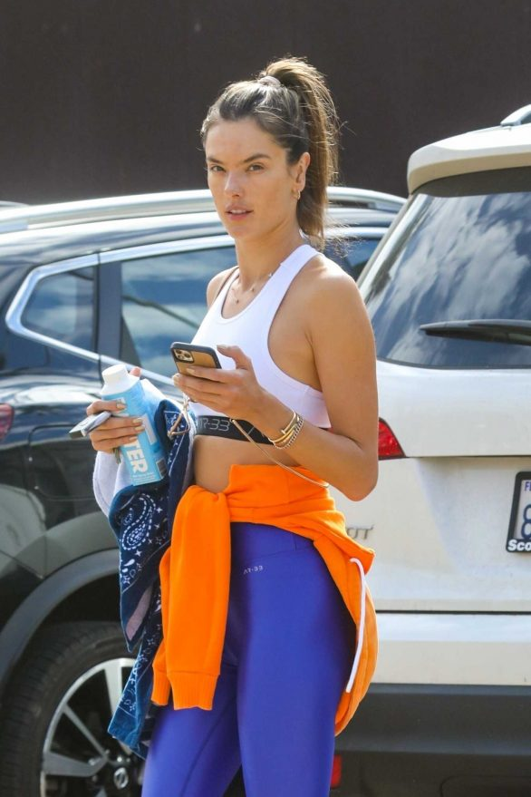 Alessandra Ambrosio - leaves a workout class in Malibu
