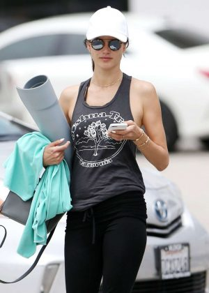 Alessandra Ambrosio - Leaves Yoga Class in Santa Monica