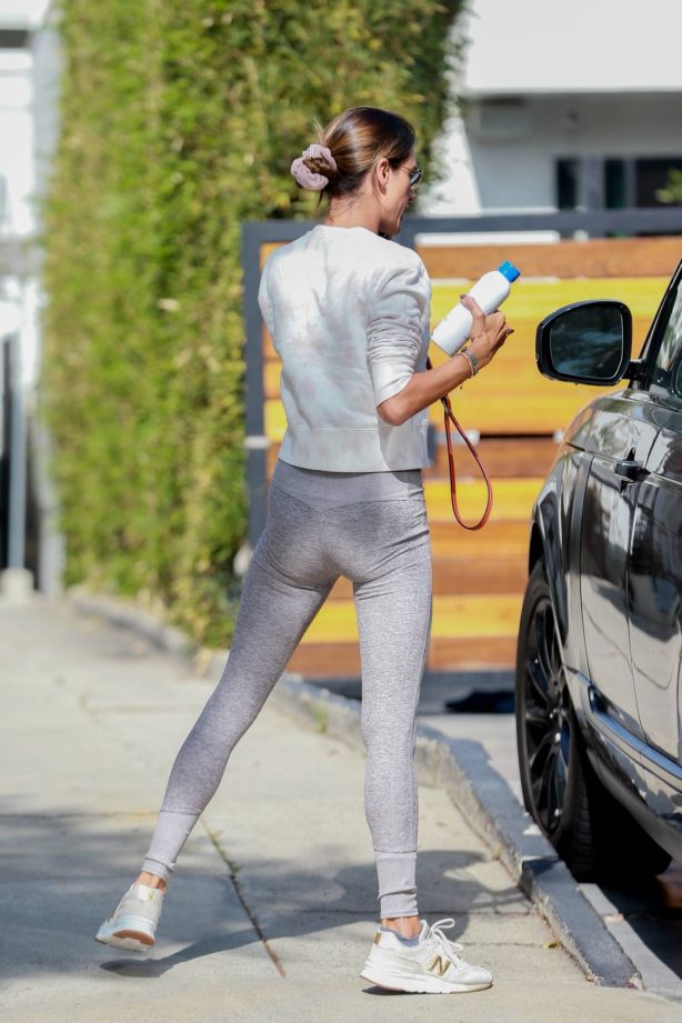 Alessandra Ambrosio - Looks sporty while heads to Pilates in Los Angeles