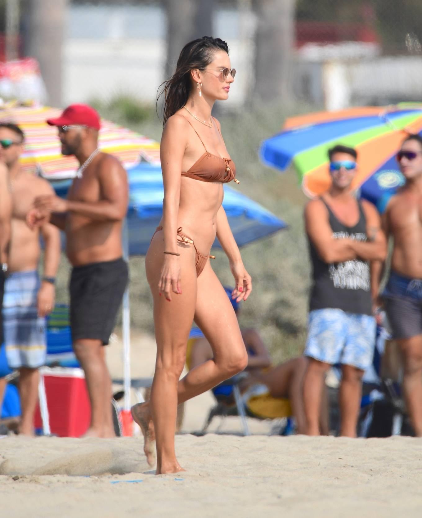 Alessandra Ambrosio 2020 : Alessandra Ambrosio – on the beach in Santa Monica-01