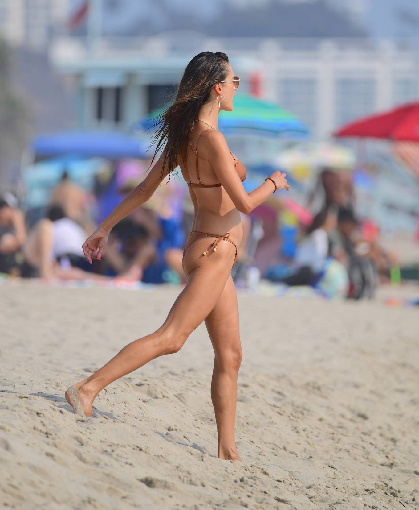 Alessandra Ambrosio 2020 : Alessandra Ambrosio – on the beach in Santa Monica-04