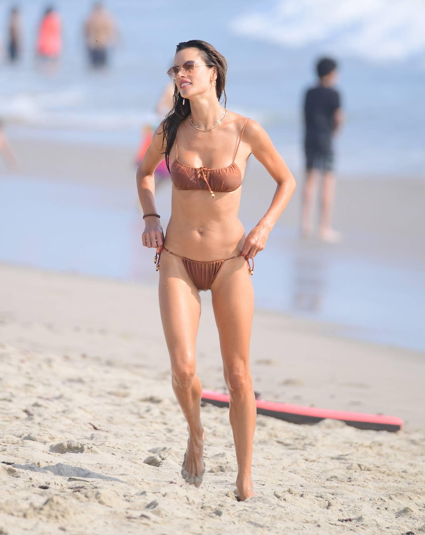 Alessandra Ambrosio 2020 : Alessandra Ambrosio – on the beach in Santa Monica-05