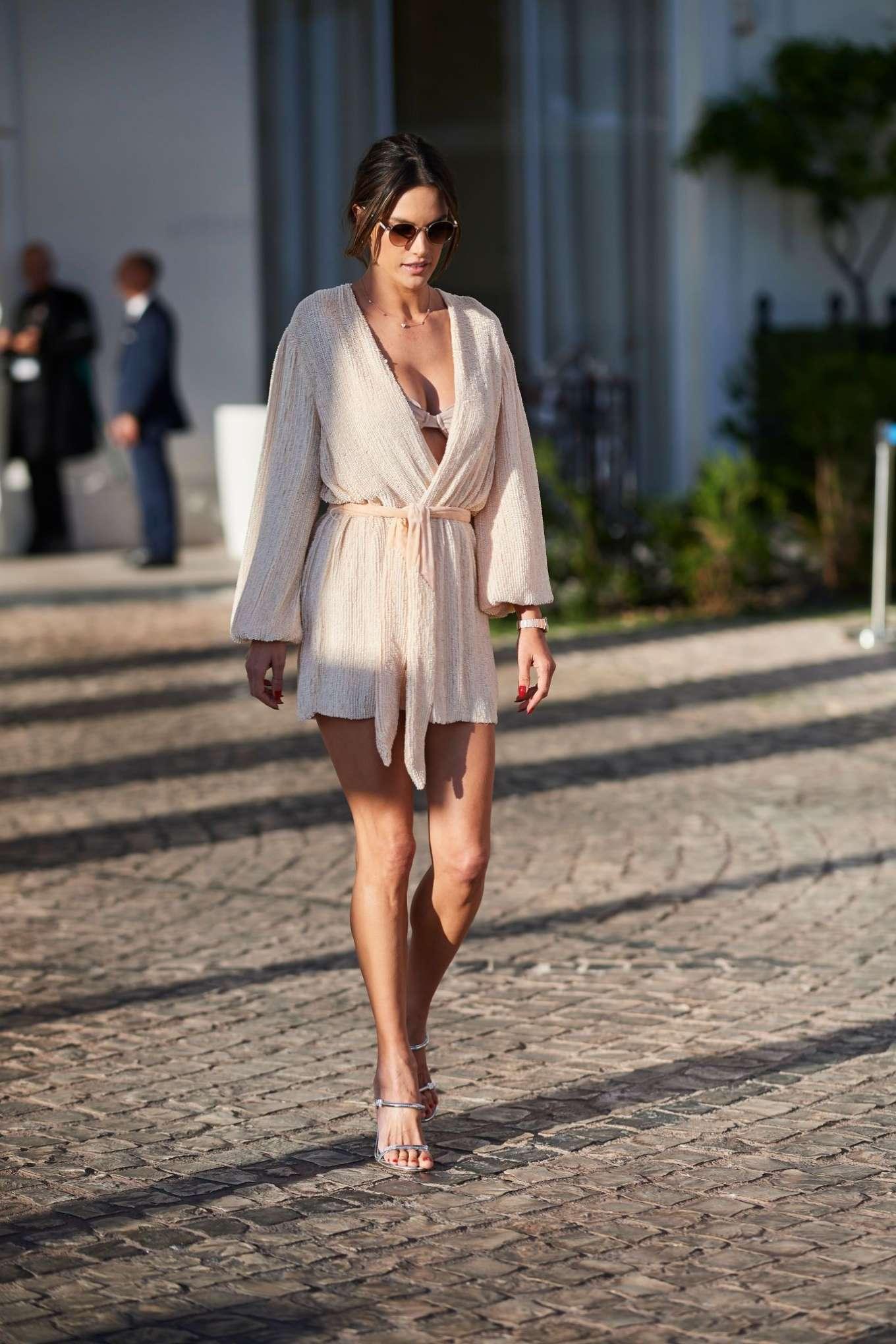 Alessandra Ambrosio 2019 : Alessandra Ambrosio: On the Croisette in Cannes -02