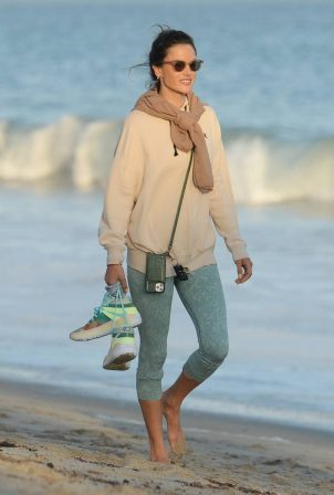 Alessandra Ambrosio - Out for a sunset walk in Malibu