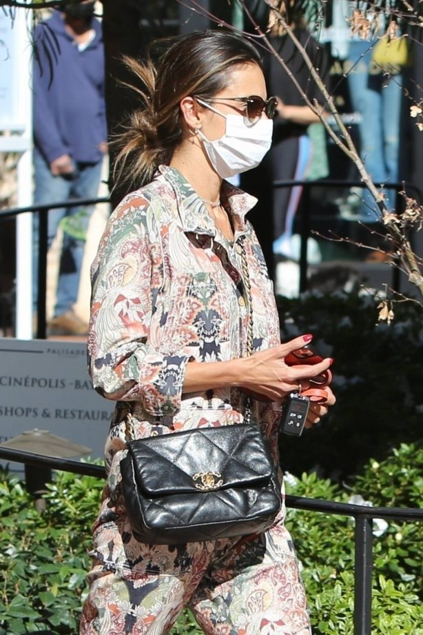 Alessandra Ambrosio - Out for shopping in Pacific Palisades