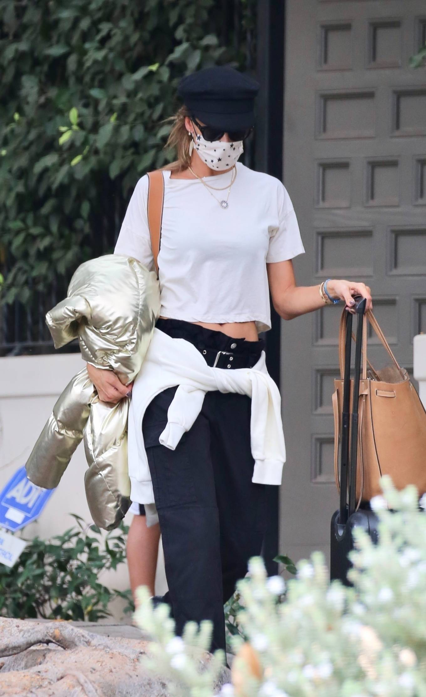 Alessandra Ambrosio 2019 : Alessandra Ambrosio – Out in Los Angeles-02