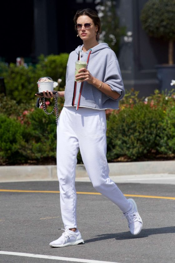 Alessandra Ambrosio: Out in Los Angeles -09