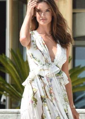 Alessandra Ambrosio - Photocall at Excelsior Hotel Beach during 72nd Venice Film Festival