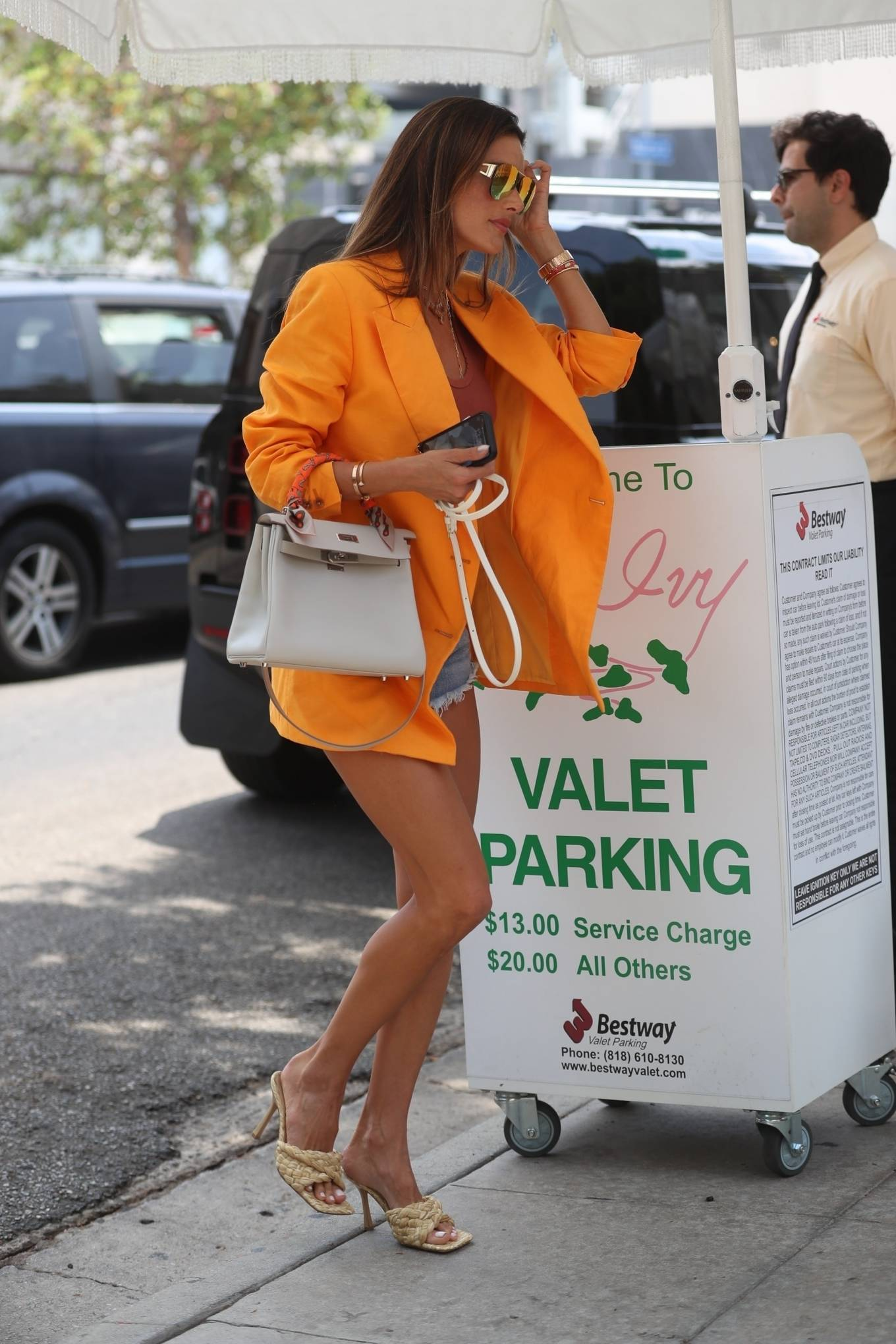 Alessandra Ambrosio 2021 : Alessandra Ambrosio – Pictured at The Ivy for lunch in Beverly Hills-05