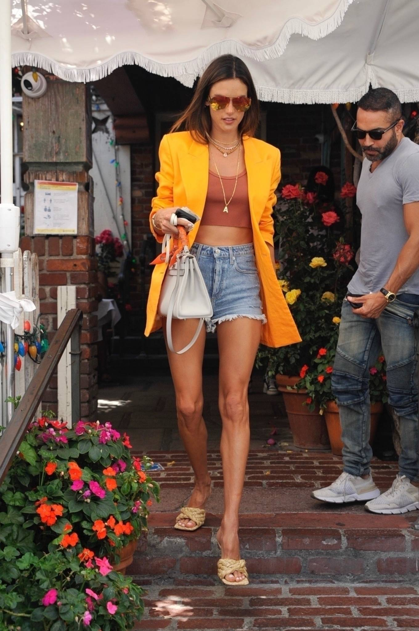 Alessandra Ambrosio 2021 : Alessandra Ambrosio – Pictured at The Ivy for lunch in Beverly Hills-23