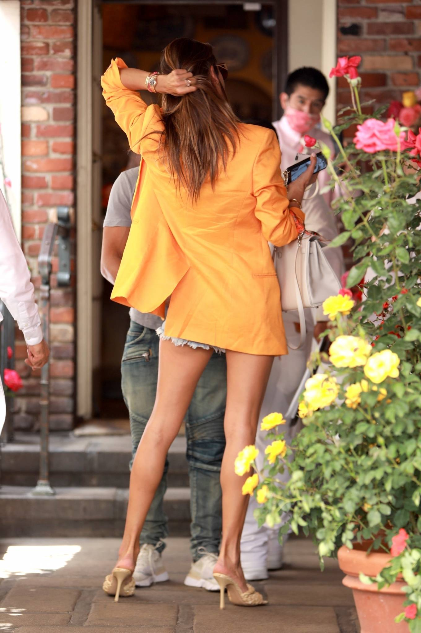 Alessandra Ambrosio 2021 : Alessandra Ambrosio – Pictured at The Ivy for lunch in Beverly Hills-28