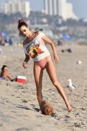 Alessandra Ambrosio - Plays beach volleyball with friends on Santa Monica Beach