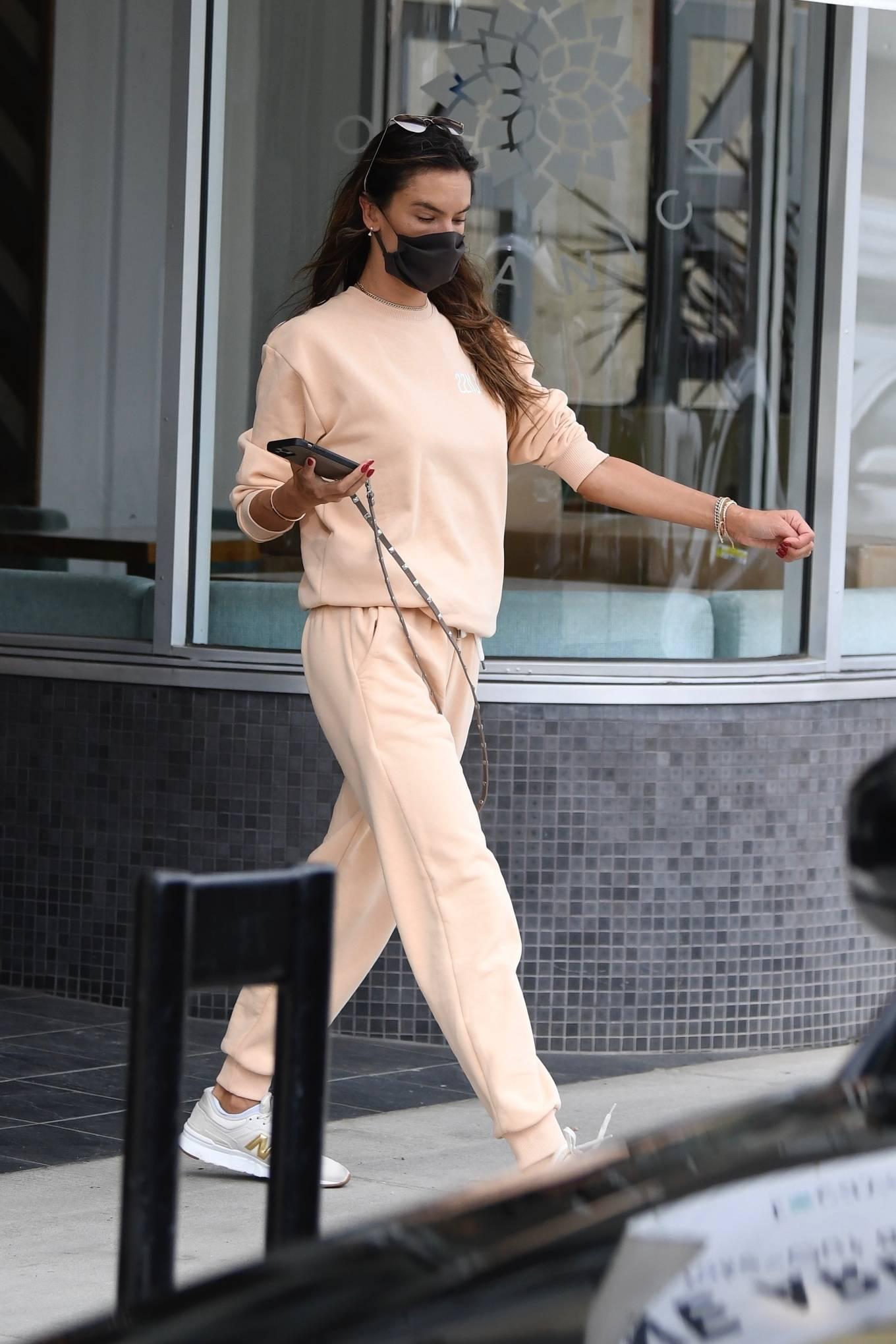 Alessandra Ambrosio - Running errands in Brentwood