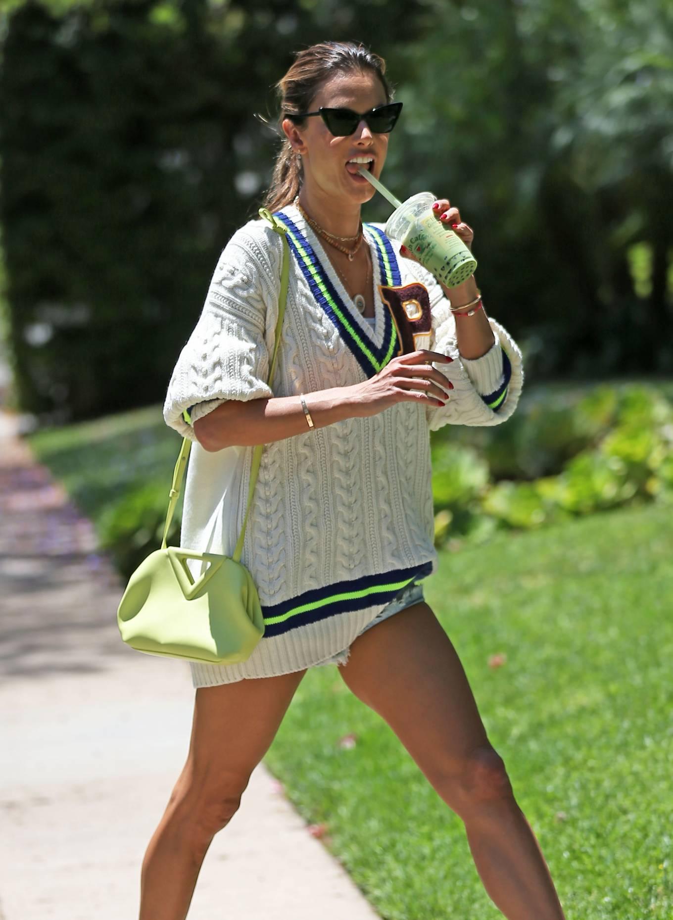 Alessandra Ambrosio 2021 : Alessandra Ambrosio – Runs errands in Los Angeles-13