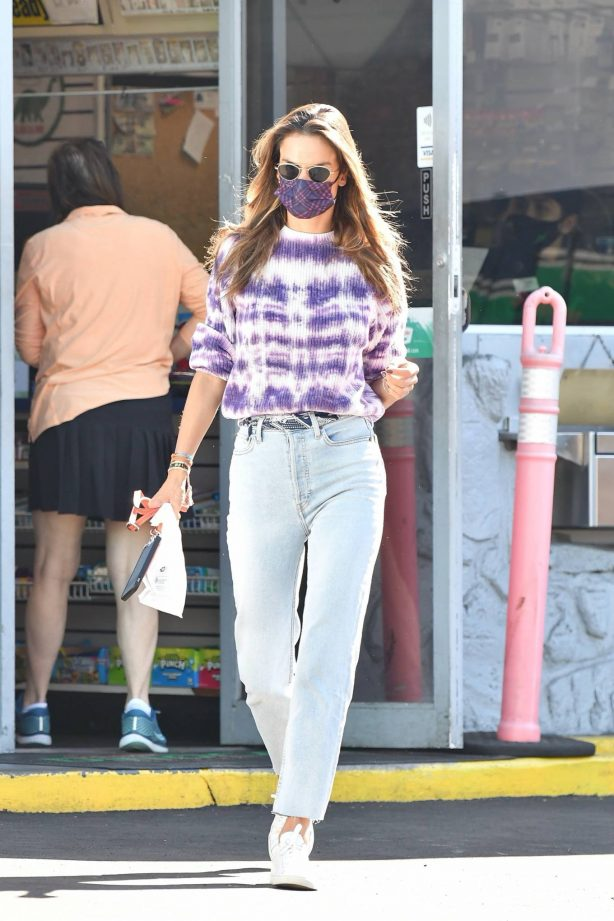 Alessandra Ambrosio - Seen at a gas station in Brentwood