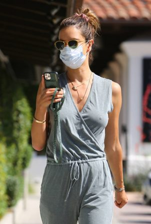 Alessandra Ambrosio - Seen at Sunlife organics in Malibu - California