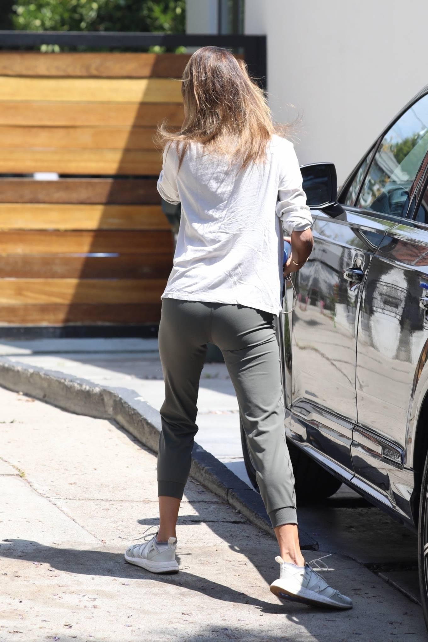 Alessandra Ambrosio 2021 : Alessandra Ambrosio – Seen leaving pilates in West Hollywood-09