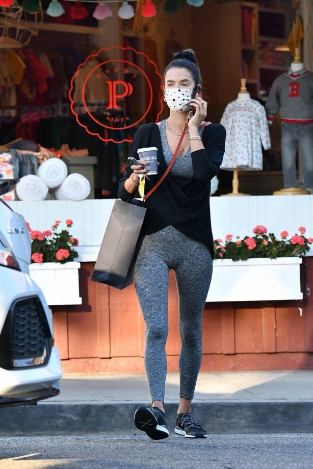 Alessandra Ambrosio - Seen while out for ice cream
